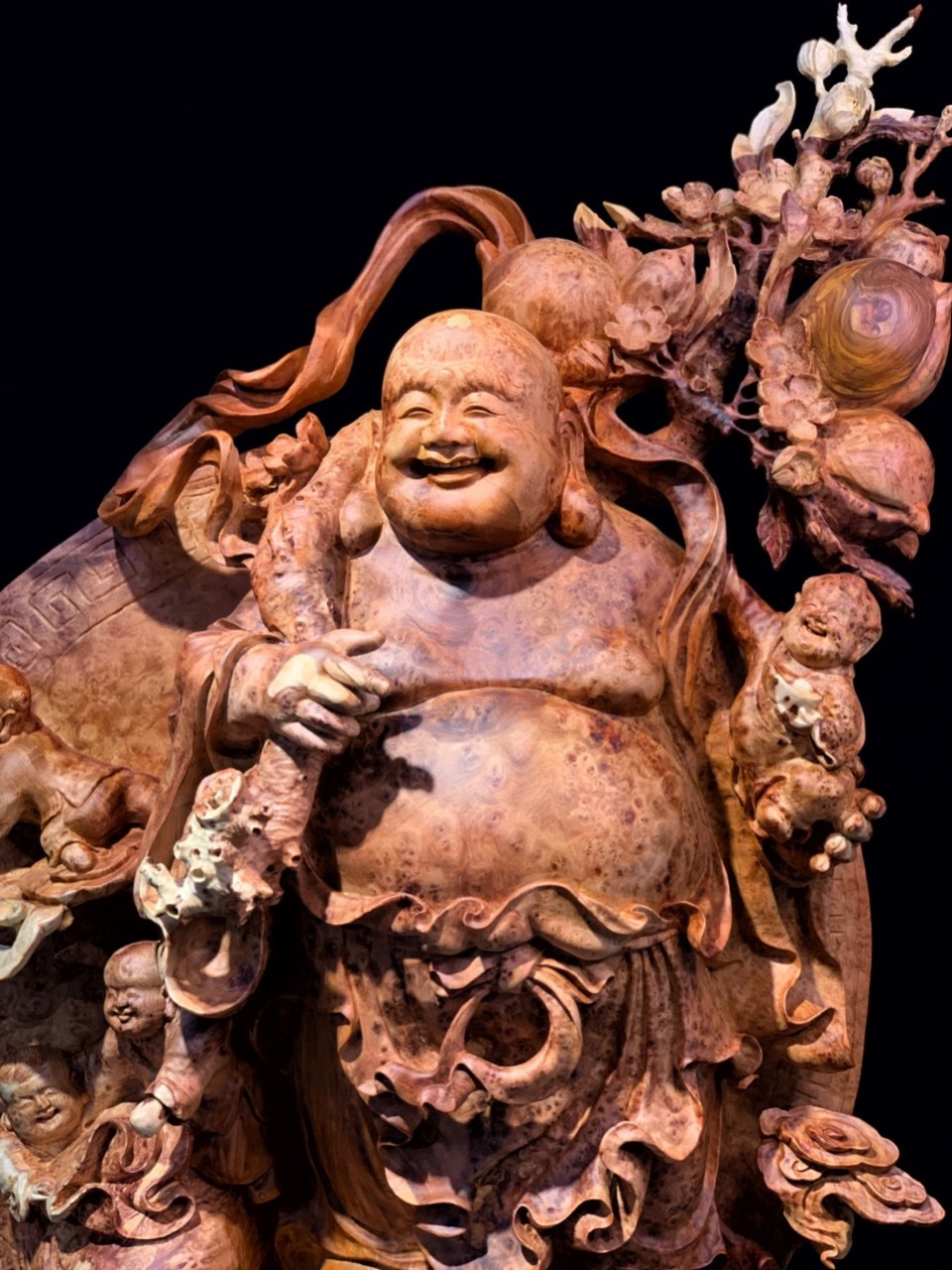 Cách Lựa Chọn Và Trưng Bày Tượng Phật Di Lặc Để Luôn Mang Lại Cuộc Sống Hạnh phúc, Bình An, May Mắn, Tài Lộc.