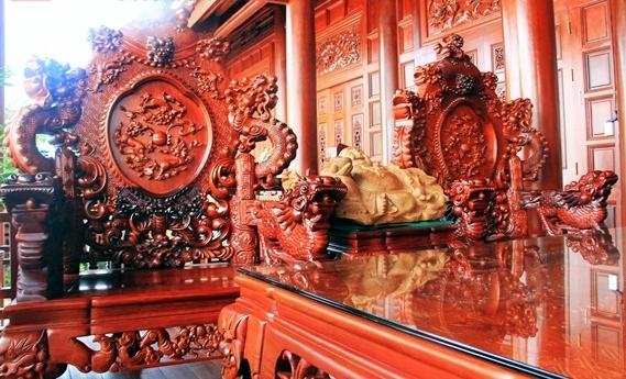 Tổng hợp 9 mẫu bàn ghế gốc cây đẹp có giá hàng tỷ bạc
