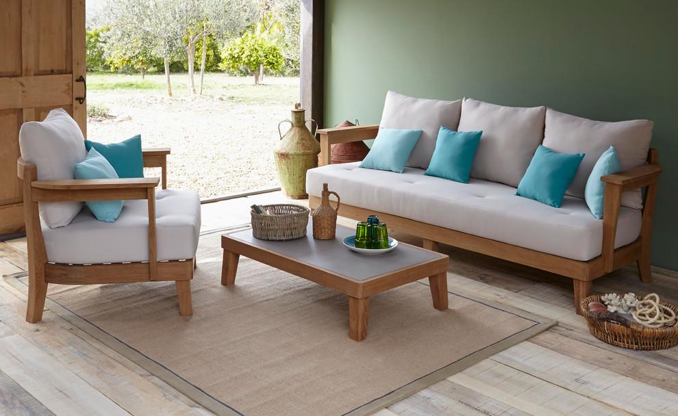 Những lưu ý khi lựa chọn bàn ghế gỗ trong phòng khách nhỏ