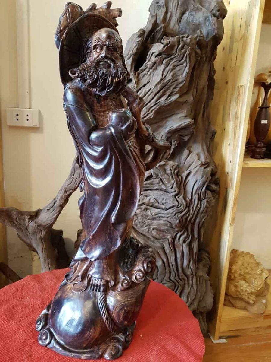 Giải mã ý nghĩa của tượng gỗ Đạt Ma trong phong thủy