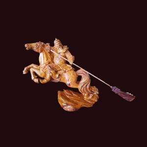 Tượng Quan Công cưỡi ngựa gỗ cẩm chỉ Gia Lai