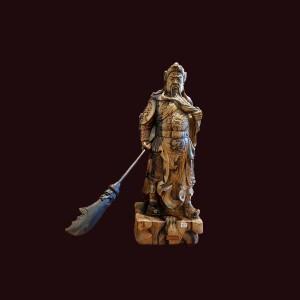 Tượng Quan Công xách đao gỗ mun hoa