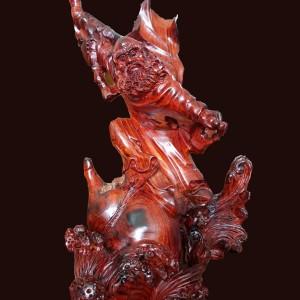 Đạt ma sư tổ gỗ Trắc đỏ 48x28x23cm