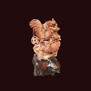 Tượng gia đình gà gỗ hương 62x55x30cm