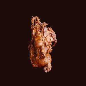 Tượng Di Lặc gỗ nu hương 62x40x23cm