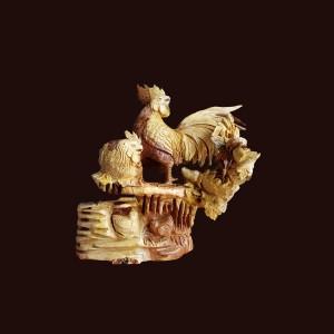 Tượng gia đình gà gỗ hương 55x60x28cm