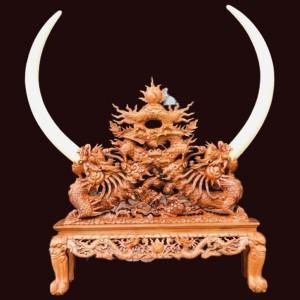 Giá ngà tứ linh gỗ hương 150x135x40cm