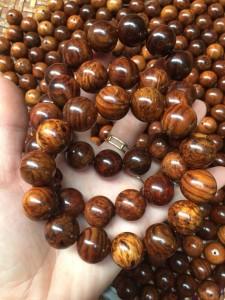 Vòng tay gỗ sưa Quảng Bình