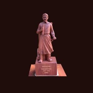 Tượng Trần Hưng Đạo gỗ hương 60x21x18cm