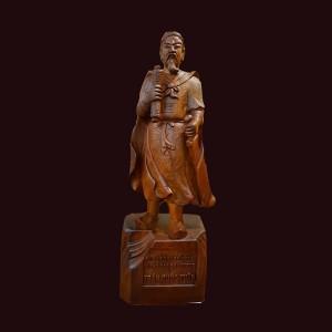 Tượng Trần Hưng Đạo gỗ hương Gia Lai 55x21x12cm