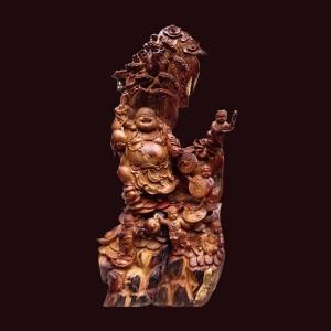 Tượng Di Lặc đứng gốc tùng ngũ phúc gỗ hương Gia Lai