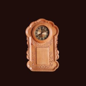 Đốc lịch đồng hồ gỗ thông 67x42,5x5,5cm