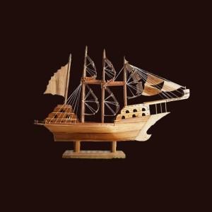 Thuyền buồm gỗ tech 80x57x19cm