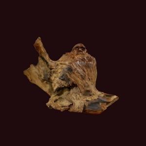 Tổ Đạt Ma gỗ lũa ngọc am Hà Giang 35x47x31cm