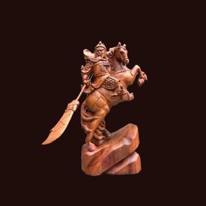 Tượng Quan Công gỗ hương Gia Lai 50x30x17cm