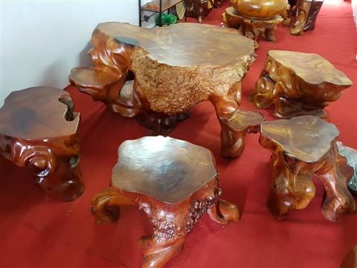 Bàn ghế gốc cây gỗ hương cao cấp độc và quý 0982212646