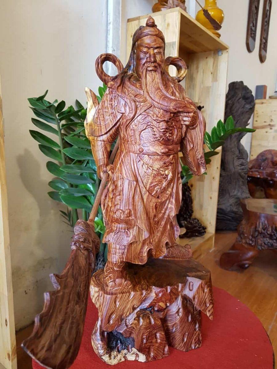 Cách đặt tượng Quan Công bằng gỗ hợp phong thủy