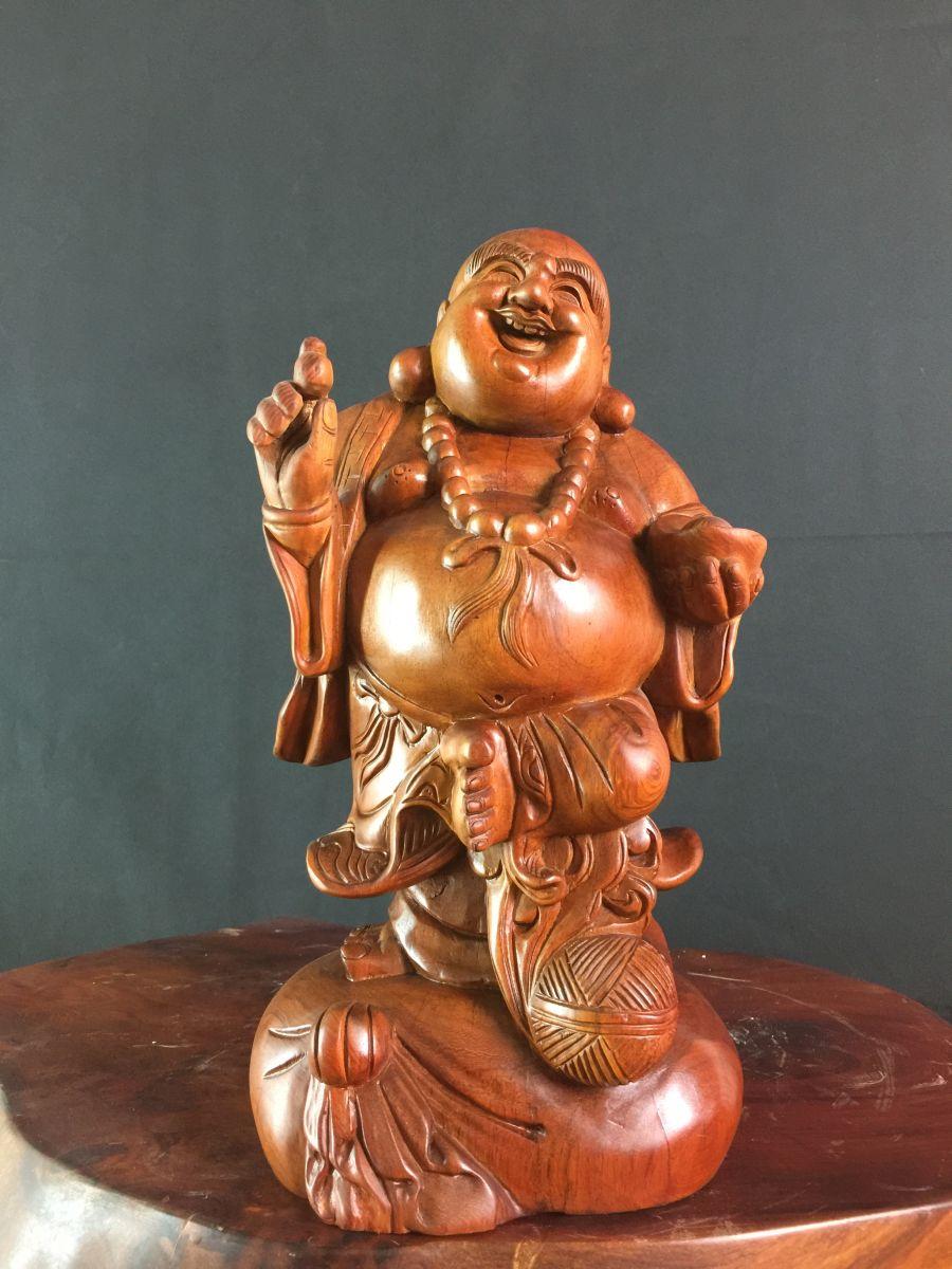 Top 3 loại gỗ quý tạo nên tượng Di Lặc gỗ đẹp