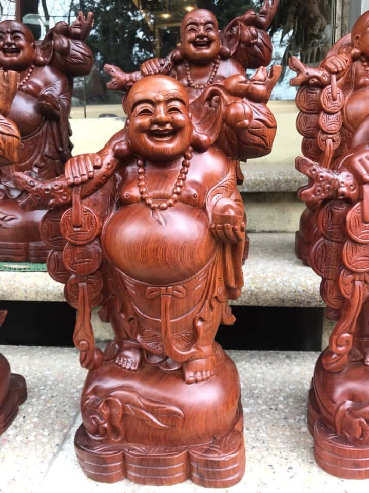 Kinh nghiệm chọn mua tượng gỗ Phật Di Lặc đẹp và sang