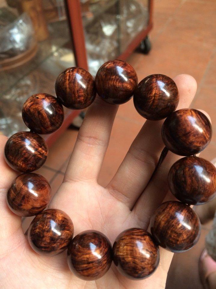 Vòng gỗ đeo tay bao nhiêu hạt là hợp phong thủy?